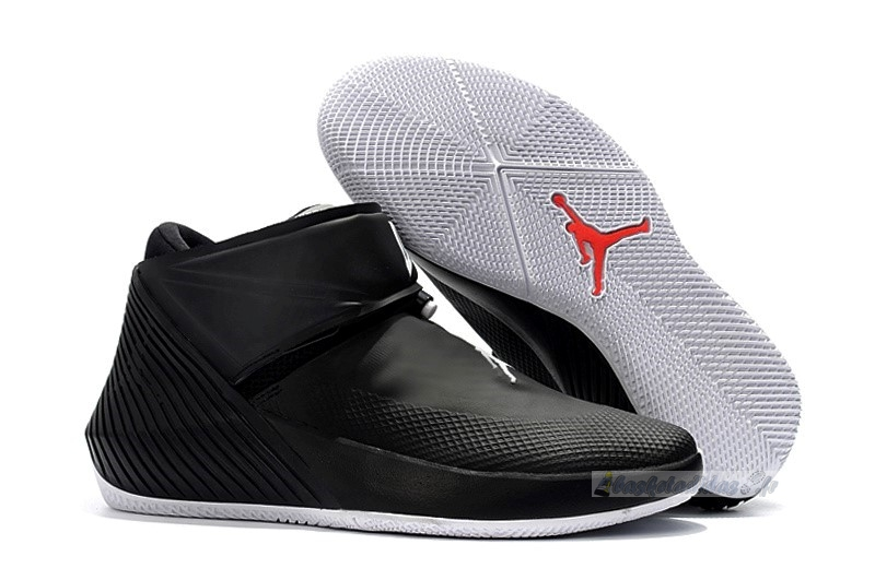 Chaussure de Basket Jordan Why Not Zer0.1 Noir Rouge Blanc