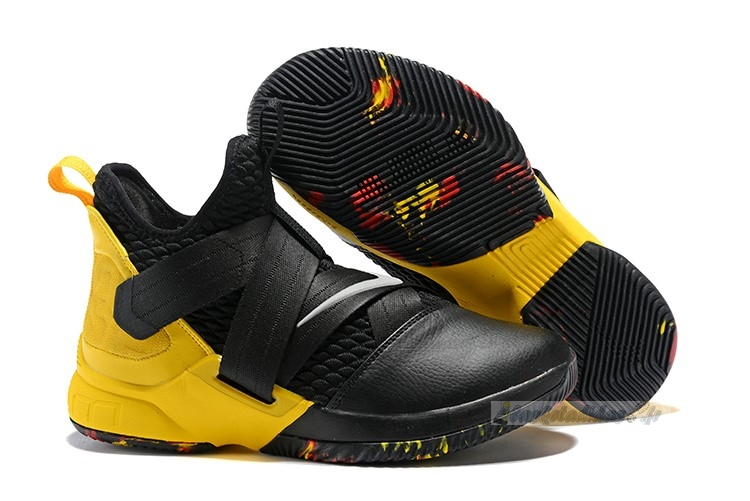 Chaussure de Basket Nike Lebron Soldier Xii 12 Blac Yellow