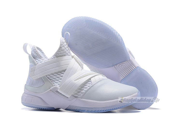 Chaussure de Basket Nike Lebron Soldier Xii 12 Blanc