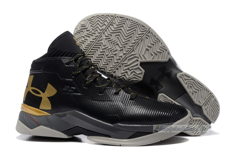 Chaussure de Basket Under Armour Curry 2.5 Noir Or