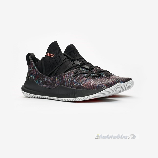 Chaussure de Basket Under Armour Curry 5 Noir (3020657-005)