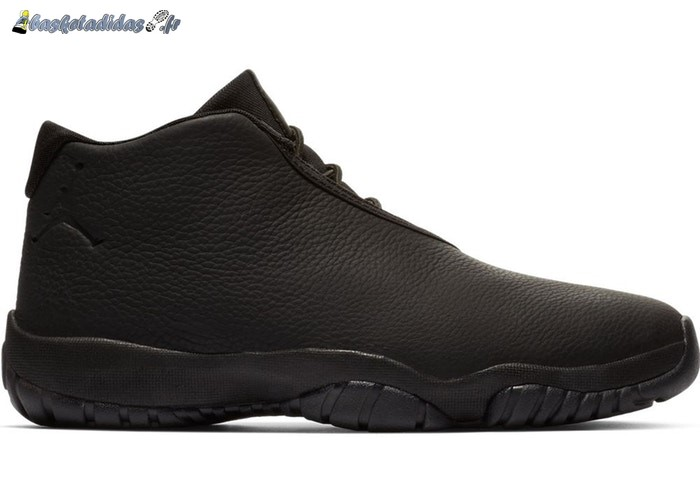 Chaussure de Basket Air Jordan Future Triple Black Leather (CD1523-002)