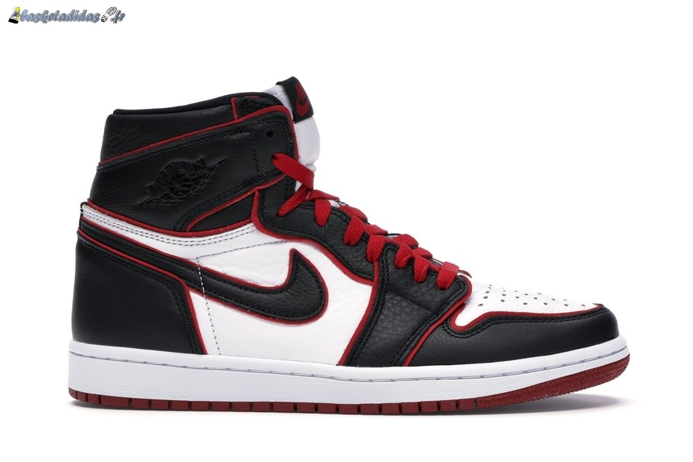 Chaussure de Basket Air Jordan 1 High Retro 'Bloodline' Noir (555088-062)